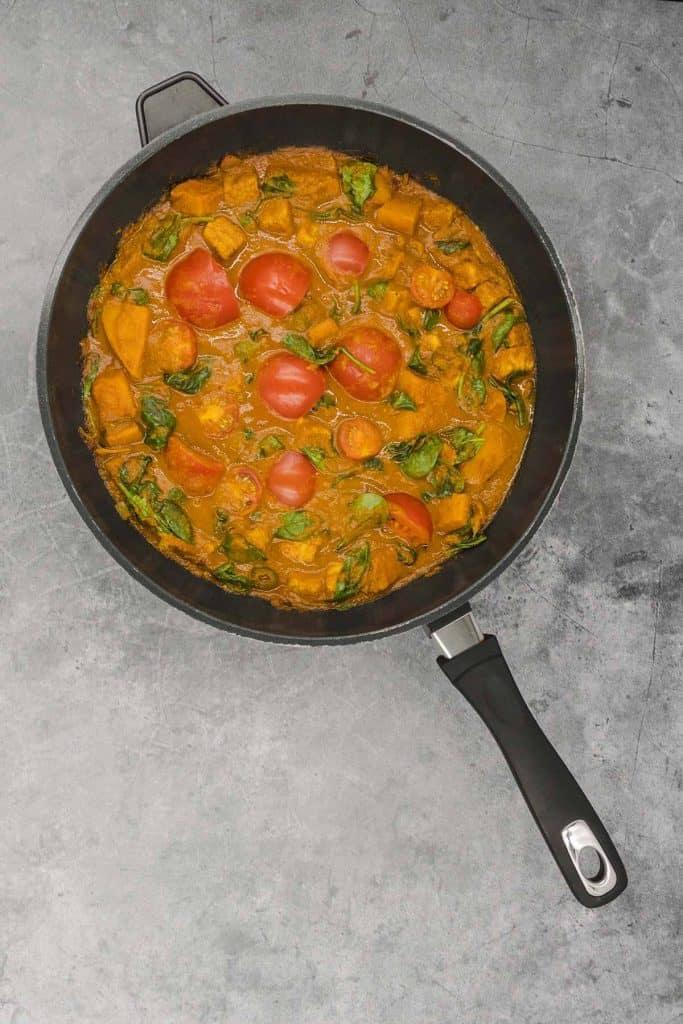 Vegan vegetable bhuna in a pan
